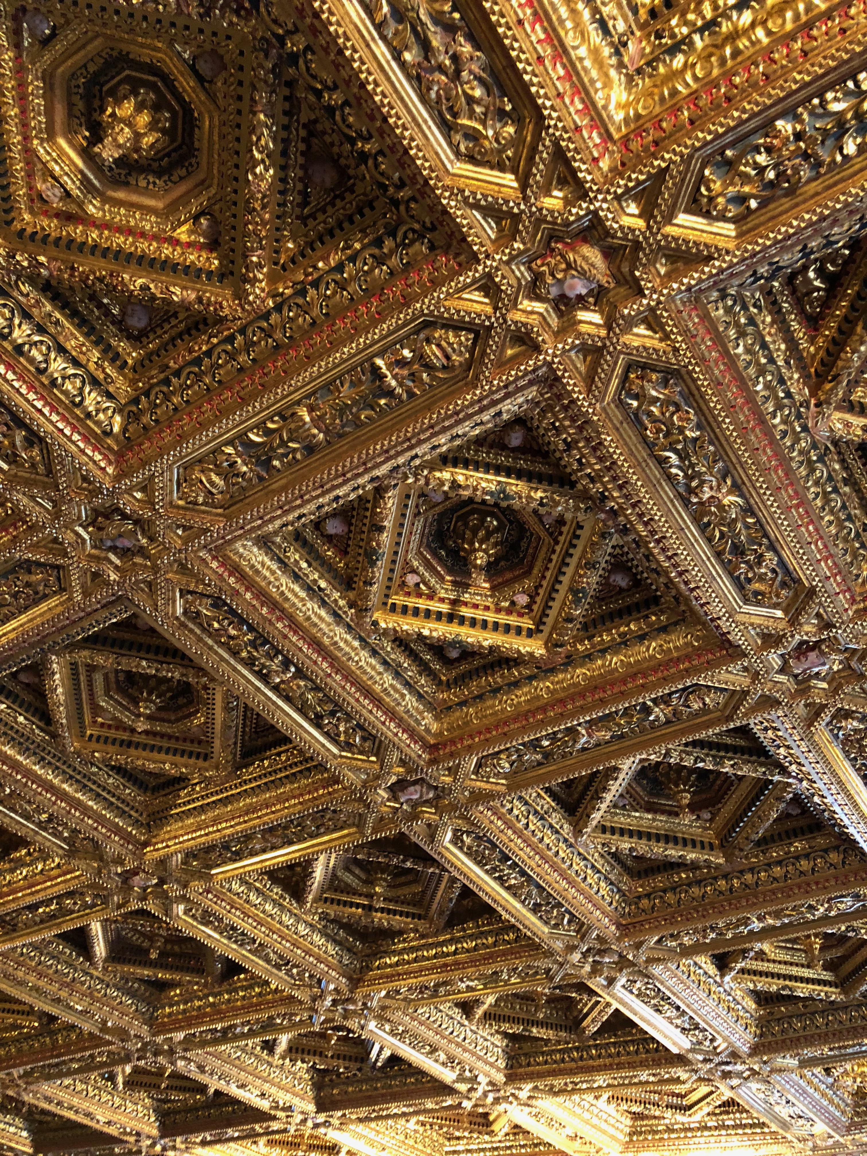 ceiling valencia, travel.world-eats